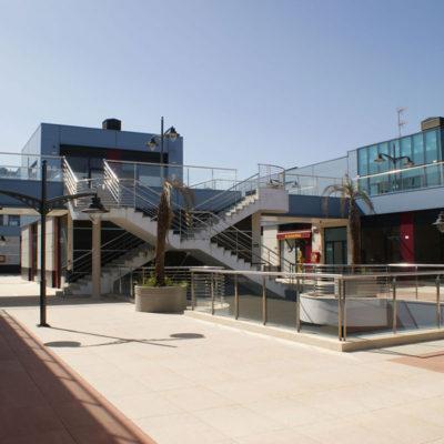 "Centro Comercial ""Varadero"""
